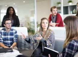 Aprender a comunicarnos, resolver conflictos y tomar decisiones